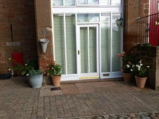 Comfortable House with Internet Access and Washing Machine - Warwick-on-Eden vacation rentals
