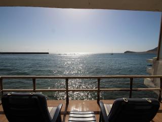 Charming 3B house with front sea view en El Medano - El Medano vacation rentals