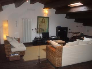 Apartment Santa Maria with private entrance - Montescudo vacation rentals