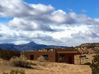 Brand New!  Casita de Azulejo - 360 views - Abiquiu vacation rentals
