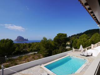 Großes, modernes Haus in der Cala Carbo - Es Cubells vacation rentals