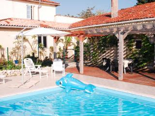 Cozy 3 bedroom Vacation Rental in Brossac - Brossac vacation rentals