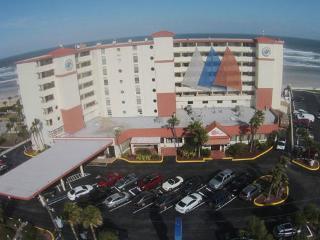 condo daytona beach /oceanfront (may to oct)$600/w - Daytona Beach vacation rentals