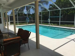 Beautiful Merrit Island pool home near Cocoa Beach - Merritt Island vacation rentals