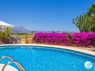 BREATHTAKING VILLA WITH STUNNING VIEWS IN JAVEA - Javea vacation rentals