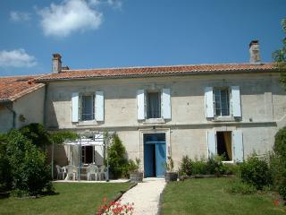 Holiday Cottage Charente Dordogne Border - Villebois-Lavalette vacation rentals