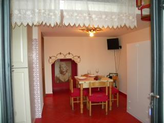 """Giardini apartments """"Marilyn Monroe"""" - Giardini Naxos vacation rentals"""