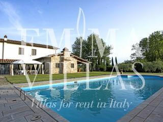 Charming 4 bedroom Bucine Villa with Internet Access - Bucine vacation rentals