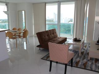 Deluxe 2BR  Furnished Condo and Great View OB2HR6 - Coconut Grove vacation rentals