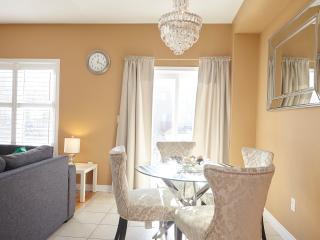 Zitel Homes+Bsmt Apt, Hwy 50&Hwy 7.Great Location! - Brampton vacation rentals