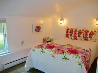 3 bedroom House with Deck in East Dorset - East Dorset vacation rentals