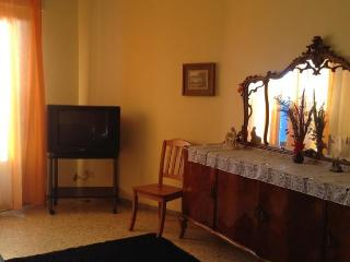 Large apartment for 4-6 person 400 m from  the sea - Scalea vacation rentals