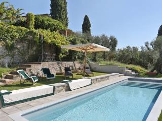 Villa I Cipressi with pool near to Forte dei Marmi - San Quirico di Moriano vacation rentals