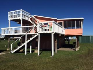 Hunky Dory, beach cottage with a fishing fettish : - Galveston vacation rentals