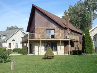 Beautiful cottage in Erieau, Ontario - Erieau vacation rentals