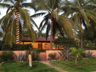 Perfect 2 bedroom Cottage in Troncones - Troncones vacation rentals