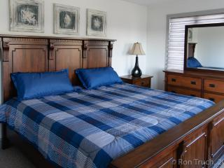 PRIVATE BEDROOM in Beachhouse near Atlantic City Casinos - Brigantine vacation rentals