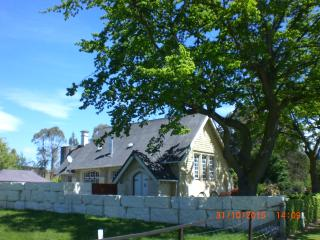 Beautiful 3 bedroom Converted chapel in Oamaru - Oamaru vacation rentals
