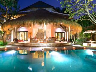 AMAZING VILLA JABALI - 5 bedrooms Central Seminyak - Seminyak vacation rentals