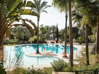Luxury beachside penthouse bahia de marbella. - Marbella vacation rentals