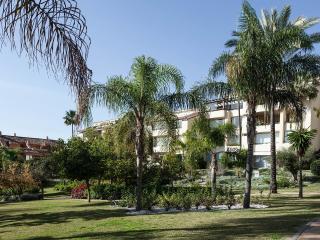 Luxury beachside penthouse bahia de marbella. - Marbella vacation rentals
