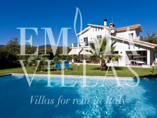 Comfortable Villa in Savona with Internet Access, sleeps 10 - Savona vacation rentals