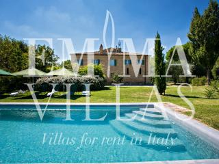 Perfect 8 bedroom Ancona Villa with Internet Access - Ancona vacation rentals