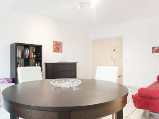 2 Rooms - Apartment White - Dortmund vacation rentals
