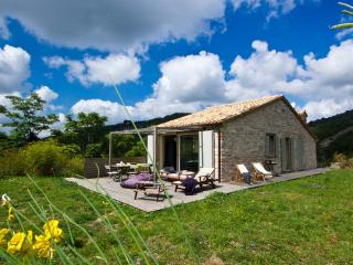 Beautiful 4 bedroom Cottage in Cagli - Cagli vacation rentals