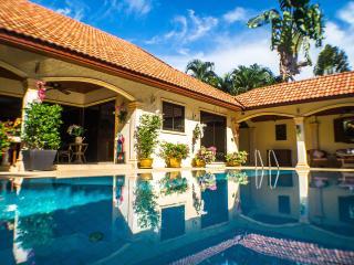 """COCONUT PARADISE VILLAS"" Luxury Villa Holidays! - Nai Harn vacation rentals"
