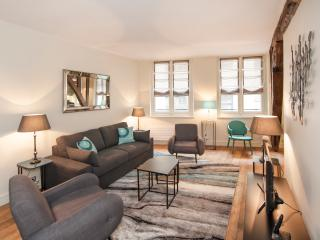 August special rate - Cosy 1BD rue Mazarine - Paris vacation rentals