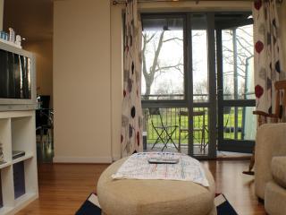 Fancy 2 Bed!ParK View,River,CLAPTON,E5 - London vacation rentals