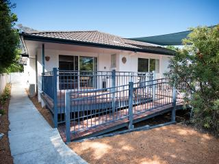 The White House - spacious 2 bedroom apartment - Canberra vacation rentals