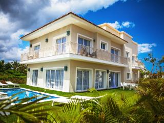 4 bedroom Villa with Internet Access in Bavaro - Bavaro vacation rentals