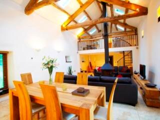 The Lazy Fish, barn conversion - Embleton vacation rentals