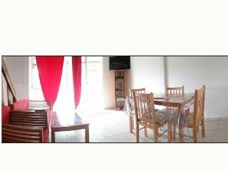 Romantic 1 bedroom Cilaos Condo with Long Term Rentals Allowed - Cilaos vacation rentals