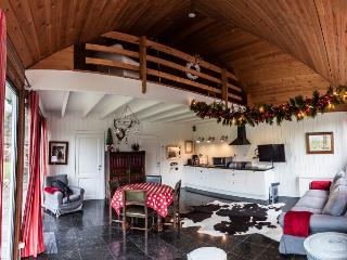 Nice Chalet with Internet Access and Outdoor Dining Area - Walcourt vacation rentals