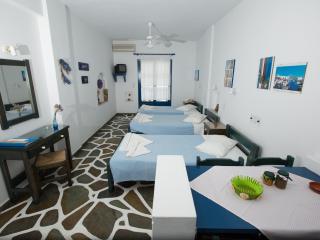 ANGIE'S 1 BEDROOM STUDIO FOR 3 GUESTS, PAROS - Parikia vacation rentals