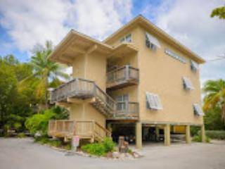 Newly updated Coconut Mallory exterior. - Coconut Mallory Resort 2 Bedroom Condo - Key West - rentals