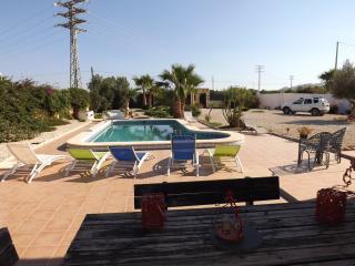 Lovely 3 bedroom Jacarilla Villa with Internet Access - Jacarilla vacation rentals
