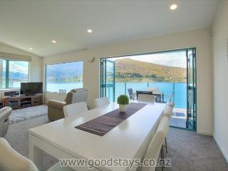 Comfortable Apartment with Internet Access and Television - Queenstown vacation rentals