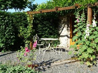 Cosy cottage for two in heart of rural France - Arnac-Pompadour vacation rentals