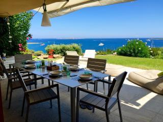 appartamento con giardino fronte mare - Portisco vacation rentals