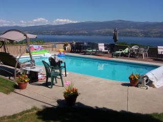 2 bedrm lock-off; Walkout Priv Pool; Pano Lakeview - Kelowna vacation rentals
