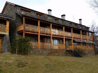 Comfortable 3 bedroom Vacation Rental in Puigcerda - Puigcerda vacation rentals