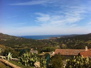 Piccola villa indipendente sul Golfo di Marinella - Marinella vacation rentals