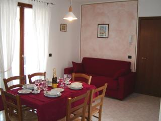 Nice Condo with Stove and Television - Ponti sul Mincio vacation rentals