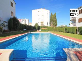 Holiday apartment by the beach Riells at L´Escala - L'Escala vacation rentals