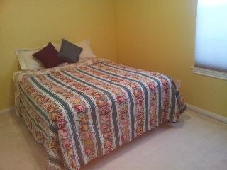 UPSCALE HOUSE: GRAND room - Home away from Home - Houston vacation rentals