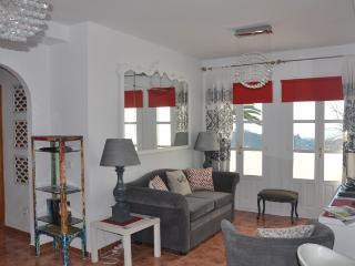 Perfect 2 bedroom Apartment in Frigiliana with Internet Access - Frigiliana vacation rentals